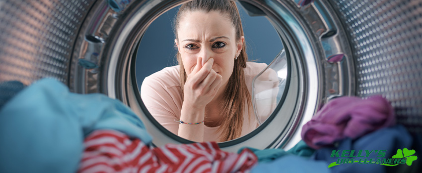 How to Deal with Smelly Laundry